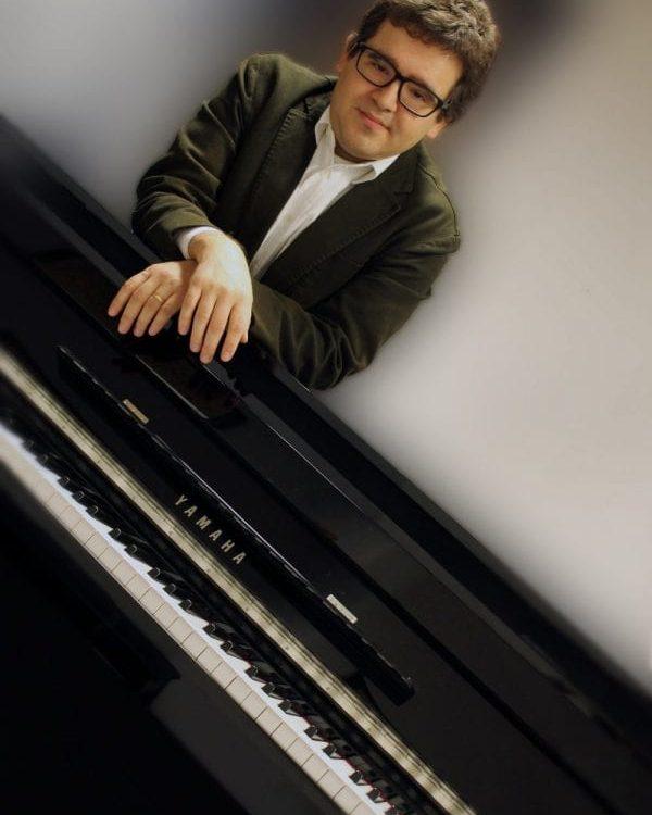 Simone Pionieri, artista, maestro e compositore - Yamaha Music Club
