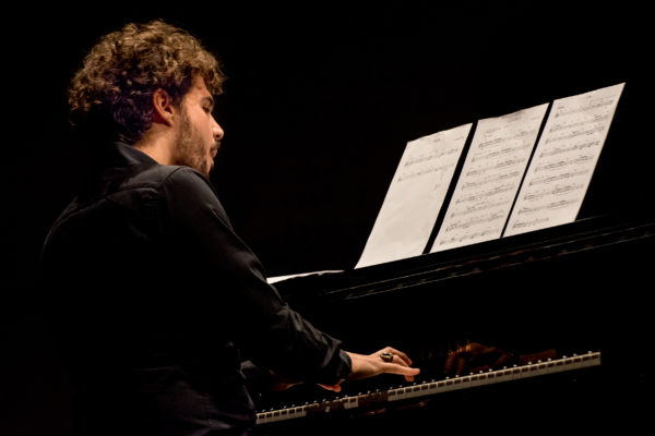 Seby Burgio, jazzista dal talento non improvvisato - Yamaha Music Club