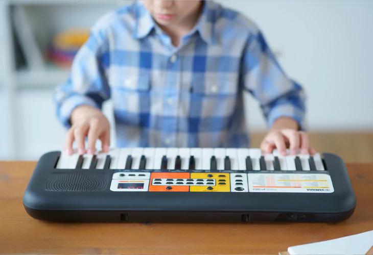 mini-tastiera PSS F30