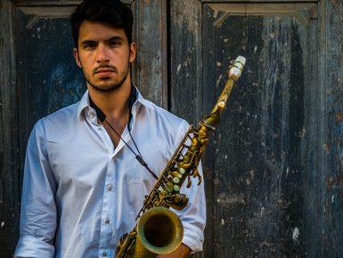 Elias_Lapia_Saxofonista